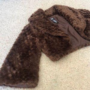 Jackets & Blazers - SALE! 🌷 Faux Fur Cropped Jacket